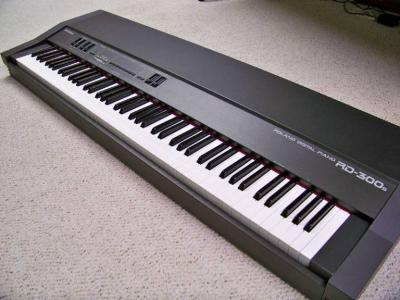 roland-rd300s_clip_image002.jpg