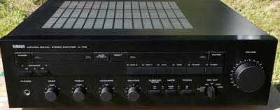 Yamaha A-700 Integrated Amplifier.jpg