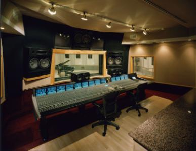 ssl_duality_la-sound-gallery.JPG