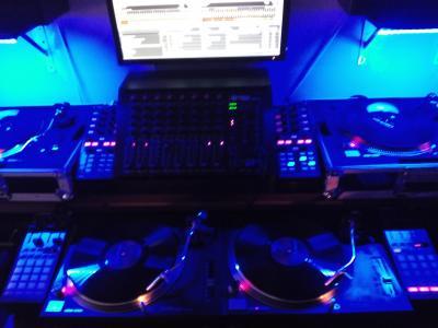 Fotos de nuestras cabinas : Equipo DJ página 396   Hispasonic