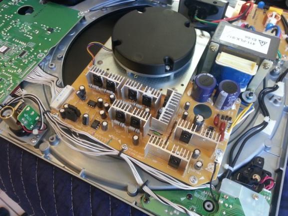 Pioneer PLX-1000 Plxmotorrear-577x433