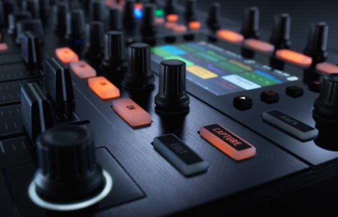 Kontrol S8 pantalla remix deck