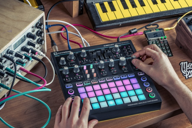 Novation Circuit Mono Station