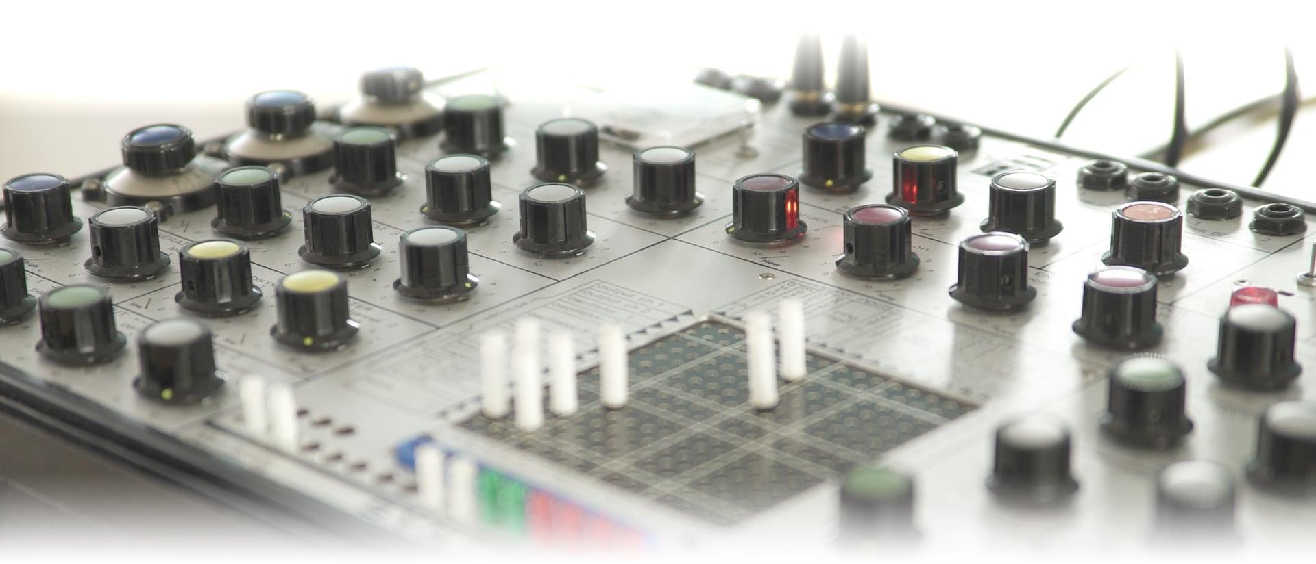Arturia V Collection 7 añade Mellotron, EMS Synthi AKS
