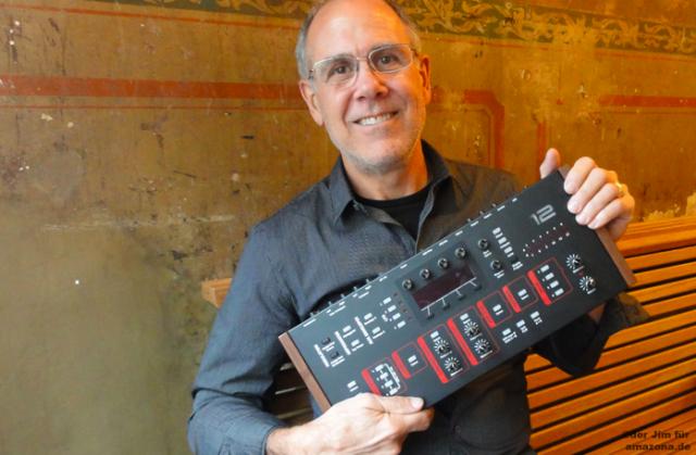 Dave Smith con el nuevo módulo Prophet 12
