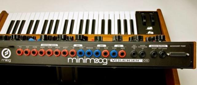 Minimoog Voyager OS