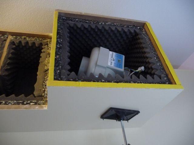 extractor colocado en caja de ventilación activa