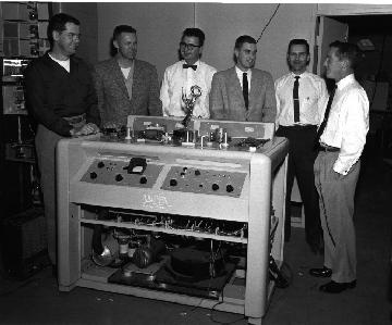 ray_dolby_and_co-workers_with_an_ampex_v