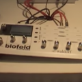 Waldorf Blofeld llevará las tablas de ondas de Microwave y Q