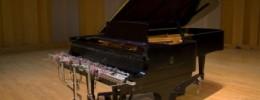 Un piano que se acciona con el movimiento de las nubes