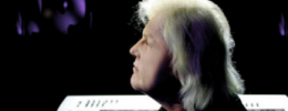 Edgar Froese flota ahora en el espacio y el tiempo