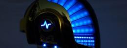 Una réplica del casco de Daft Punk que funciona con MIDI