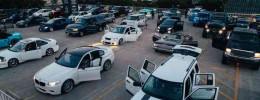 Escucha una orquesta de ondas seno en 100 coches tuneados