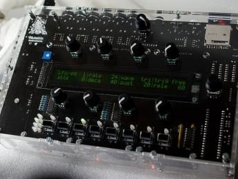 Ambika, el nuevo sinte polifónico de Mutable Instruments