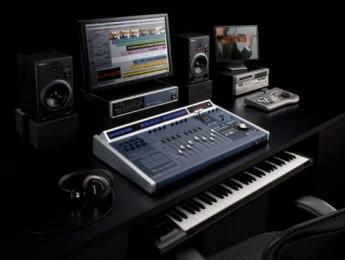 SONAR V-Studio 700 integra controlador, interfaz y sinte