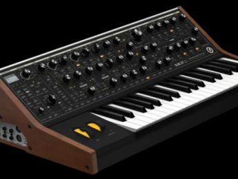 Moog Sub 37 Tribute, sinte analógico parafónico