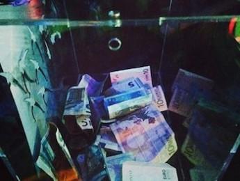 La pista paga al DJ