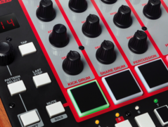 Akai sorprende con The Rhythm Wolf, una caja de ritmos analógica