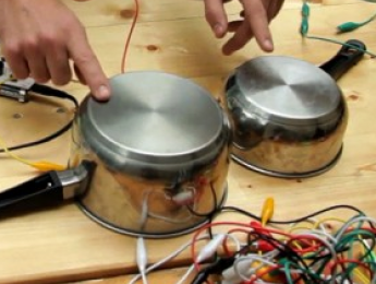 Ototo, un kit que convierte cualquier objeto en un instrumento