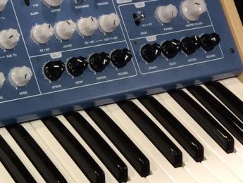 Vermona 14, la versión en teclado del Lancet