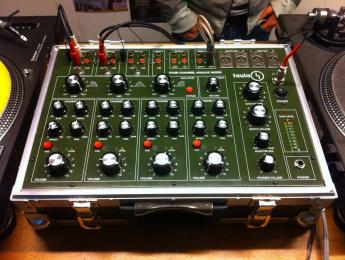 Taula 4 Flight Case, mixer rotary de boutique