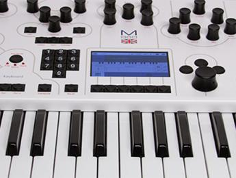 Modales británicos: nuevos Modal Electronics 001 y 008
