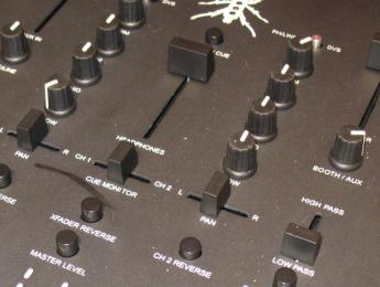 DJ-Tech Thud Rumble TRX, mixer para scratch