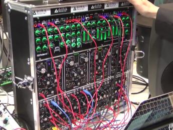 Demo de System-1m y los módulos Roland AIRA