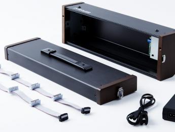 Roland consolida su presencia modular con System-500 y una maleta