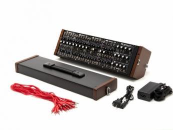 Roland llega al NAMM con el modular System-500 y el nuevo 'boutique' A-01