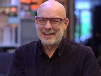 Brian Eno, la revolución tecnológica y la historia tras la música ambient