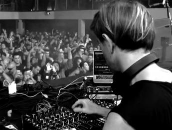 PLAYdifferently, el misterioso hardware de Hawtin