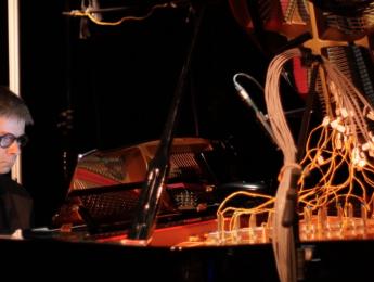 Inteligencia artificial, computación biológica y la poética musical de un hongo