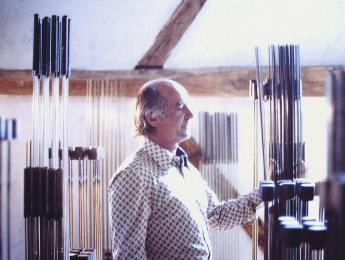 Sonambient, las sublimes esculturas sonoras de Harry Bertoia