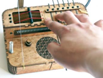 Soundtrack Box, una caja como único instrumento para toda una banda sonora