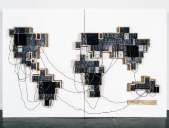 """Moog y el artista Yuri Suzuki crean el """"sinte modular global"""", con sonidos de 40 países diferentes"""