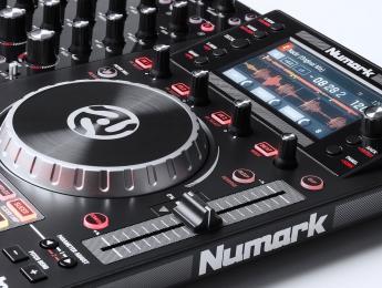Review del Numark NVII, controlador integral con pantallas