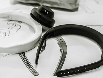 AIAIAI lanza una diadema bluetooth para sus auriculares modulares