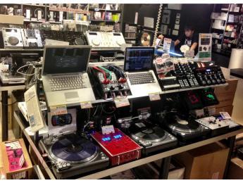 ¿Puede el mercado absorber tanta tecnología para DJs?