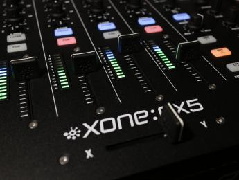 Review y vídeo de Allen & Heath Xone:PX5, mixer analógico con corazón digital