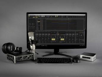 Tascam Track Factory incluye ordenador, interfaz, micrófono y auriculares en un solo paquete