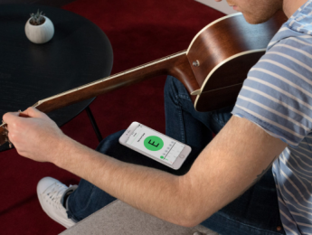 Fender Tune, un afinador gratuito que llega a Android tras nacer en iOS