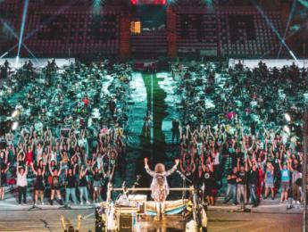 1000 músicos tocan al mismo tiempo, en vivo, Smell Like Teen Spirit de Nirvana