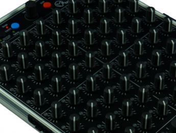 Faderfox PC44, 68 potenciómetros en un compacto controlador MIDI