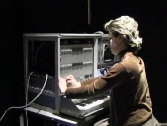 Escucha el reconstruido Alles Machine, el primer sintetizador digital aditivo