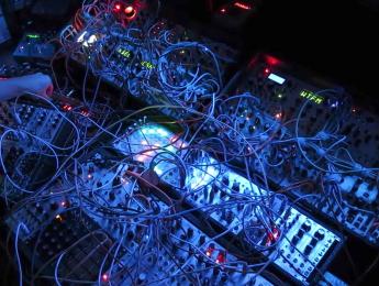 Pensando la música electrónica (3): Diez aportes tecnológicos a la idea de ritmo