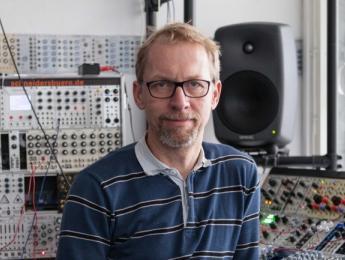 """Andreas Schneider, de Superbooth: """"la música electrónica debe ser relevante para la sociedad"""""""
