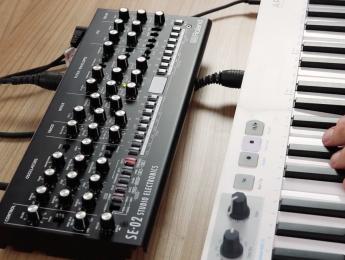Demo del Roland SE-02: ¿os suena a Minimoog?