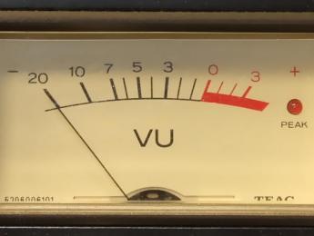 Duda clásica con decibelios: ¿doblar suma 3 o 6 dB?