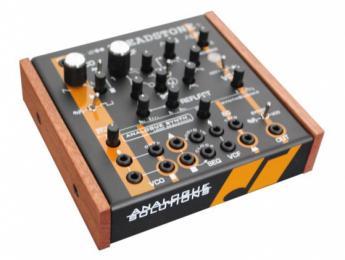 Treadstone, el nuevo mini-sintetizador de Analogue Solutions